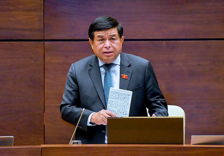 Bộ trưởng Bộ Kế hoạch và Đầu tư Nguyễn Chí Dũng hồi âm ý kiến đại biểu về đầu tư công.