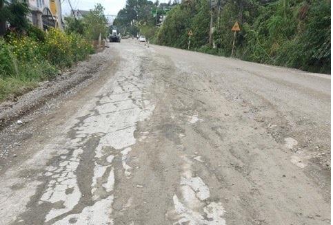 Mặt đường Quốc lộ 20, đoạn qua đèo Mimosa (tỉnh Lâm Đồng) được khắc phục sau khi chủ đầu tư phát hiện nhà thầu thi công vi phạm. Ảnh: Hữu Hiệp