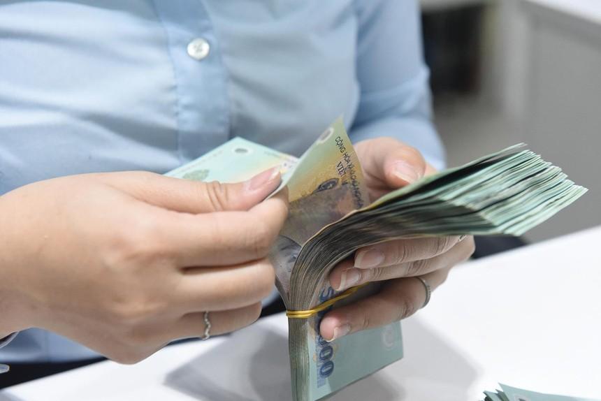 Các công ty bảo hiểm đều nghiêm cấm đại lý ứng phí thay cho khách hàng. Ảnh: Dũng Minh