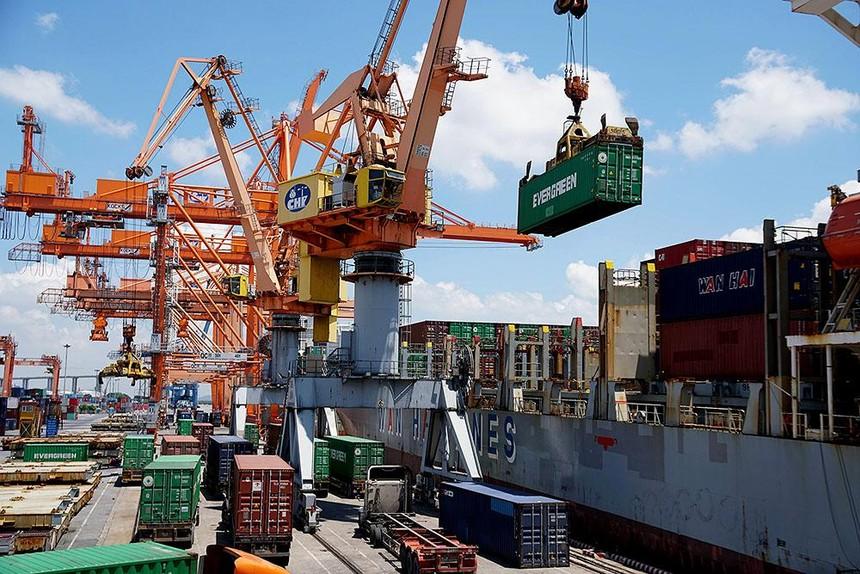 Các nhà đầu tư nước ngoài rất mong Việt Nam bỏ logistics ra khỏi danh mục kinh doanh có điều kiện. Ảnh: Đức Thanh