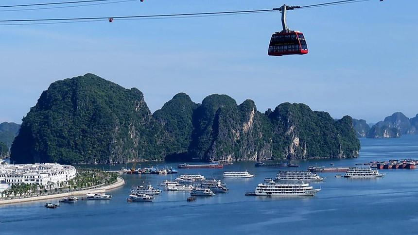 Hạ Long luôn thu hút du khách bởi nơi đây sở hữu di sản thiên nhiên thế giới từng được UNESCO nhiều lần công nhận. Ảnh: Chí Cường