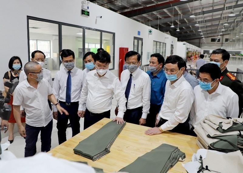 Lãnh đạo tỉnh Nghệ An thăm, động viên và tháo gỡ khó khăn do ảnh hưởng dịch Covid-19 cho doanh nghiệp dệt may trên địa bàn