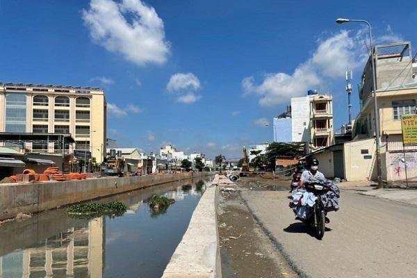 Dự án Nâng cấp, cải tạo đường và kênh Nước Đen sẽ hoàn thành trước 31/12/2021. (Ảnh: TTBC)