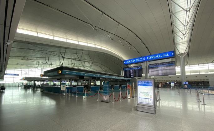 Cảnh vắng lặng tại sân bay Tân Sơn Nhất đã diễn ra suốt quý III/2021.