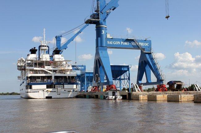 Một góc cảng Hiệp Phước do Cảng Sài Gòn đầu tư.