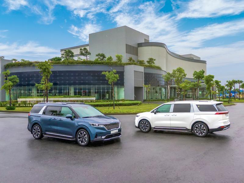 """Giới thiệu cả loạt thế hệ sản phẩm mới của KIA, THACO khiến khách """"ngợp"""""""
