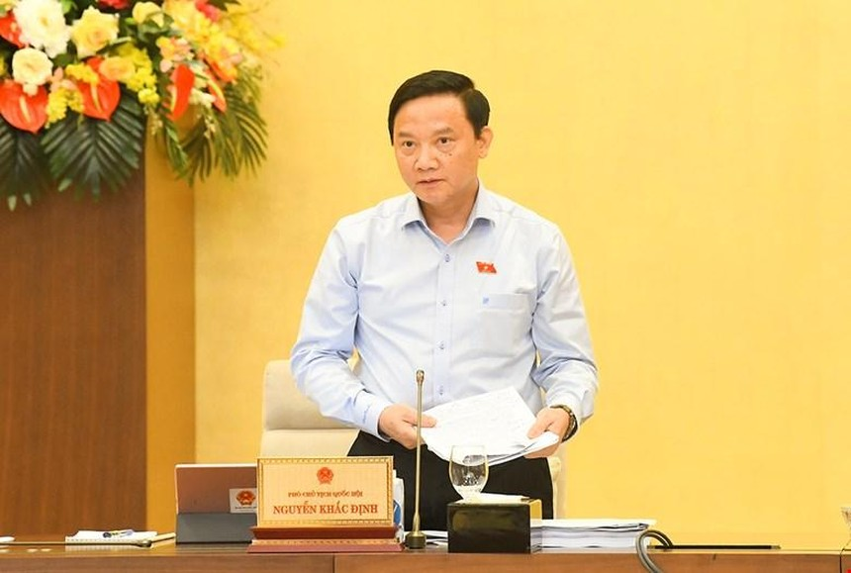 Phó chủ tịch Quốc hội Nguyễn Khắc Định phát biểu tại phiên họp.