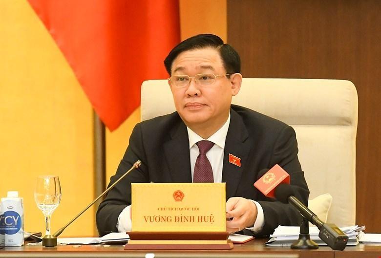 Chủ tịch Quốc hội Vương Đình Huệ phát biểu tại phiên họp.