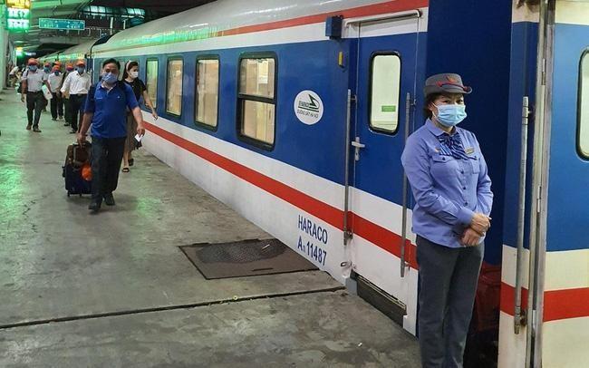 Kiểm soát người đi đến Ga Hải Phòng khi mở lại vận tải hành khách bằng đường sắt