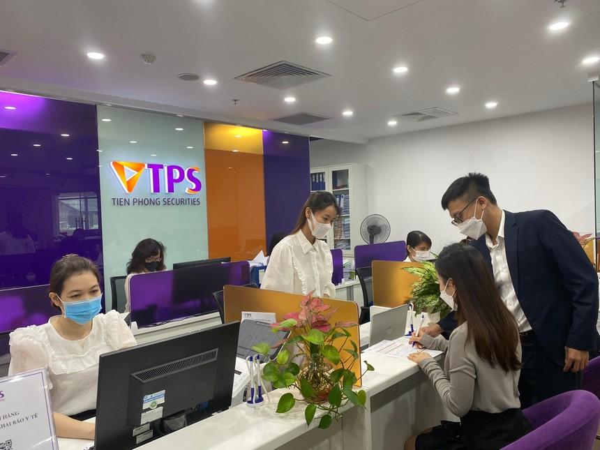 Chứng khoán Tiên Phong (ORS) dự kiến giao dịch chính thức trên HOSE ngày 25/10