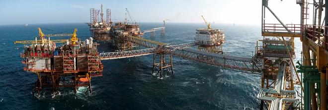 """Ngành dầu khí đang """"khát"""" vốn đầu tư"""