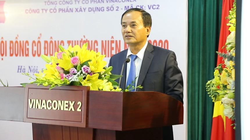 Ông Đỗ Trọng Quỳnh, Chủ tịch VC2 trao đổi với các cổ đông