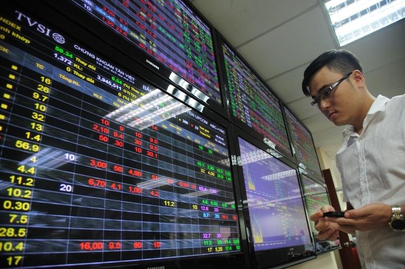 Ủy ban Giám sát tài chính: Cần có giải pháp đối phó với rủi ro dòng vốn đảo chiều