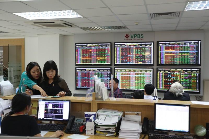 Tiếp tục cảnh báo rủi ro trái phiếu doanh nghiệp lãi suất cao