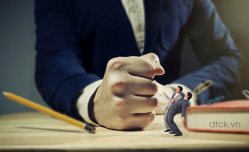 Ai giám sát sự liêm chính trong doanh nghiệp?